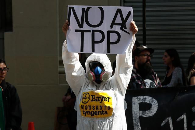 Protestas contra la votación del TPP-11