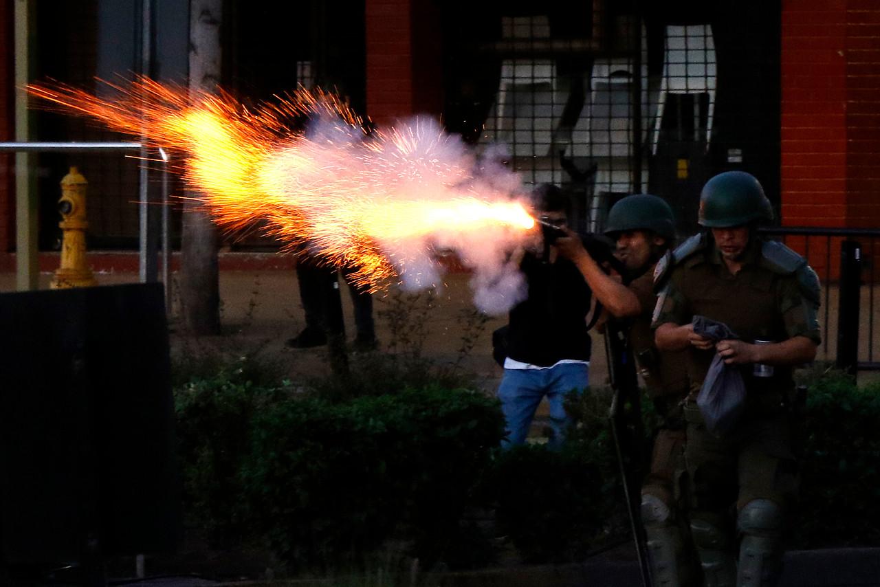 Estudiantes de derecho visibilizan actuar de militares y carabineros