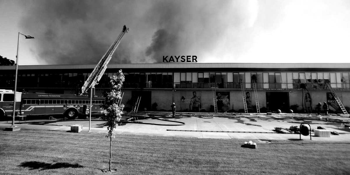 auno1120935 ad2585ec836dcb862af7694f3bcafd12 1200x600 1 blackwhite 288x180 - Exhumarán su cuerpo: familia de joven encontrado en fábrica Kayser con agujeros en el tórax pide justicia y cuenta versiones que le han llegado de la muerte Yoshua
