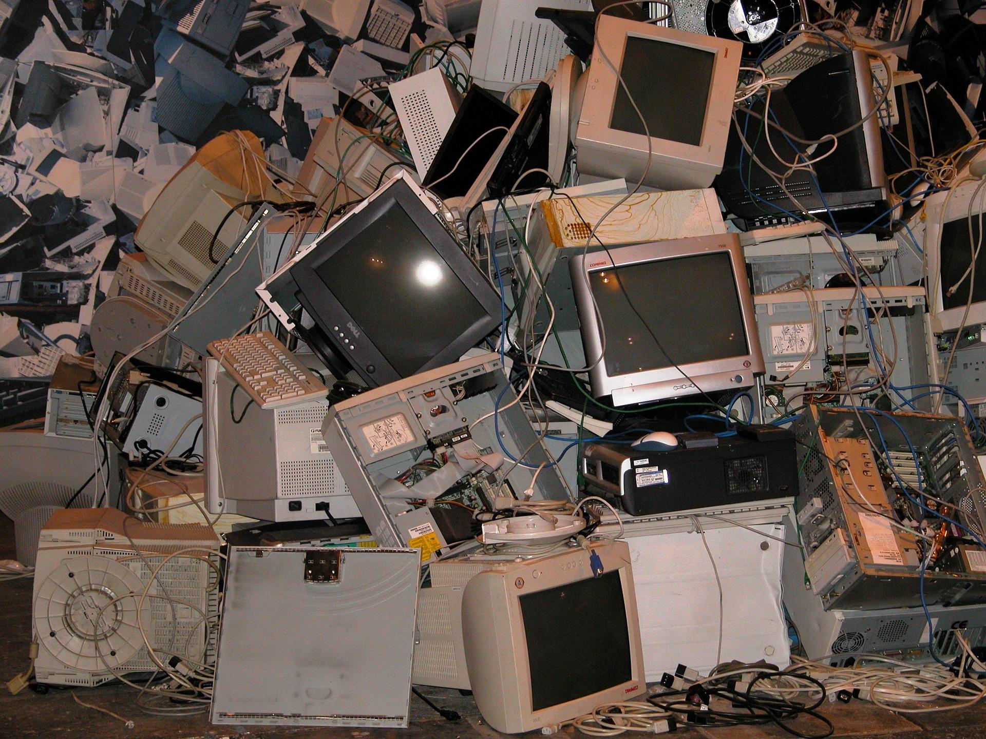 Photo of Obsolescencia programada: el mundo genera 50 millones de toneladas de desechos electrónicos al año