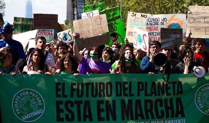 """Photo of Activismo ambiental en confinamiento: las """"huelgas digitales"""" de la juventud latinoamericana"""