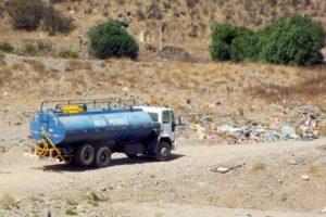 Camión cisterna en localidad de Cabildo
